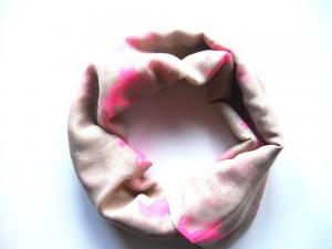 ZWEKK Loop - Schal mit Pferdemotiv, Farbe Beige/Pink