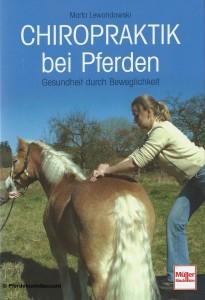 Marta Lewandowski: Chiropraktik bei Pferden